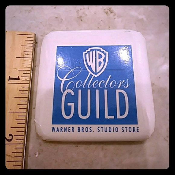 WB Collectors Guild Pin